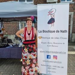 On est là! Venez nous rencontrer au nouveau Marché hebdomadaire de Juprelle (Samedi de 11 à 18h30/19h - Chaussée de Tongres 425 - Parking Meuble Vrijens) - Déjà quelques nouvelles échoppes, d'autres viendront s'ajouter au fur et à mesure!!!!  🌐 www.laboutiquedenath.be  🚚 Envoi Colis gratuit en Belgique dès 50€ d'achat - Retrait gratuit sur Lantin (Juprelle) ou sur le marché de Juprelle le samedi - Livraison en France et au Grand-Duché  #laboutiquedenath #sacamain #sac #bougie #nokiss #chaussure #mode #sneakers #basket #sactendance #sacbandouliere #bougieparfumee  #bonnet #echarpe #accessoires #poncho #ponchostyle #LesCordes #nouvellecollection #bijoux #moda #jewels #accessories #bijouxlovers #bracelets #collier #bracelet  #asymétriques #triptyques